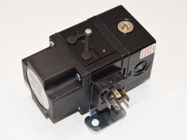 7038318 SPS - PRESSURE CONTROL VALVE